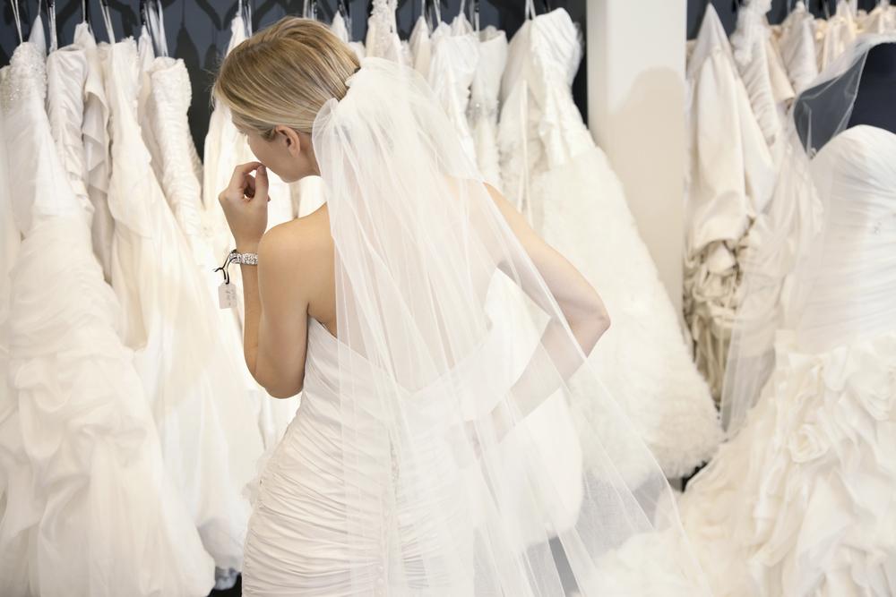 choosing-wedding-dresses